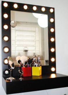 Iluminação perfeita para penteadeira: O famoso efeito camarim.