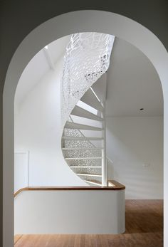 intricate stairs in House N / Maxwan