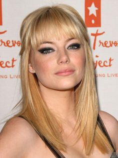 Emma Stone looking smokin' hot! Definitely going to attempt this look.