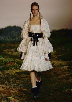 Alexander McQueen Fall 2014-15 Collection