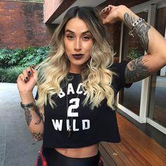 """Já é certo que cabelos loiros """"viciam"""", pois quase todas as pessoas que fazem o processo de clareamento nos cabelos, nutrem o desejo de clarear mais e mais"""