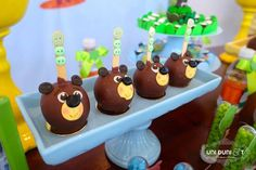 Love the story of Bigo the Bear? Check out this Kara's Party Ideas featured Bigo the Bear Themed Birthday Party! A unique and inspired party for sure! Boys 1st Birthday Party Ideas, Birthday Cake, Kara, Cake Pops, Boy Or Girl, Cupcakes, Bears, Candy Stations, Meet
