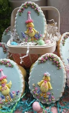 ~ Spring and Easter ~ Fancy Cookies, Iced Cookies, Cute Cookies, Easter Cookies, Easter Treats, Cupcake Cookies, Sugar Cookies, Cupcakes, Cookie Frosting