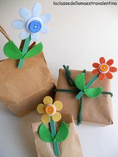 Care creative, voglio subito mettere le cose in chiaro... questi fiorellini si vedono un po' ovunque girando nella blog sfera, ma vorrei ...