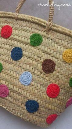 Risultati immagini per capazos decorados con trapillo - imaginary dream Diy Tote Bag, Basket Bag, Patchwork Bags, Crochet Purses, Knitted Bags, Handmade Bags, Ibiza, Bunt, Crochet Projects