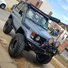 Image may contain: one or more people and outdoor Toyota Lc, Toyota Fj40, Toyota Trucks, Fj Cruiser, Toyota Land Cruiser, Best Off Road Vehicles, Land Cruiser 70 Series, 4x4 Accessories, Jeep Suv