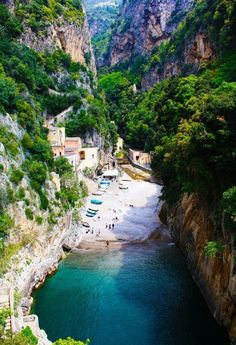 Praia Escondida, Furore, na provincia de Salerno, regiao da Campanis, Italia.