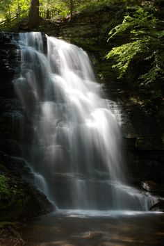 Discover the pristine beauty of nature as you explore Pennsylvania's Niagara Falls!