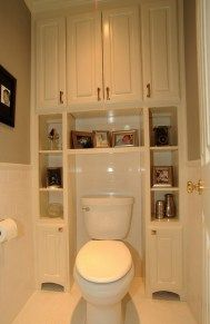 Great Bathroom Storage Solutions Built-ins surrounding toilet, to save usually wasted space. Great for small bathrooms/half baths.Built-ins surrounding toilet, to save usually wasted space. Great for small bathrooms/half baths. Bathroom Storage Solutions, Closet Solutions, Ideas Para Organizar, Traditional Bathroom, Traditional Toilets, Traditional Kitchens, Beautiful Bathrooms, Small Bathrooms, Rustic Bathrooms