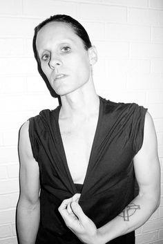 Hot Or Not? Jared Leto No Longer Has Eyebrows. http://buzznet.com/~g91c793