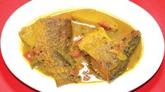 Here is another type of Bengali Macher Jhol with Bhetki Fish. If you are searching for Patla macher jhol then this fish . Bengali Fish Recipes, Bengali Fish Curry, Curry Recipes, Meatloaf, How To Make, Food, Essen, Yemek, Meals