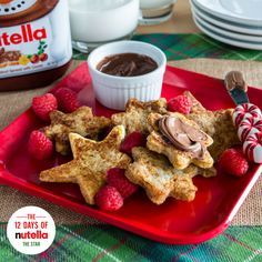 Let these French toast stars with Nutella® light the way to a bright Christmas morning. Before dropping the bread into your batter, shape each slice with your favorite cookie cutter. Once cooked, move this breakfast to the top of your menu.