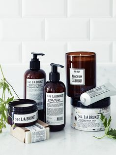 Beautifully handmade using natural ingredients and raw materials, Swedish brand L:A Bruket use the finest organic ingredients to create spa-like soaps, creams and candles, all in simple and stylish packaging. For more information about each product in the E Cosmetics, Natural Cosmetics, Industrial Bathroom Accessories, Bathroom Accesories, Limpieza Natural, Home Spray, Skincare Packaging, Beauty Packaging, Swedish Brands
