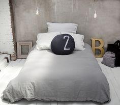 Linge de lit lin gris Bed & Philosophy via Nat et Nature