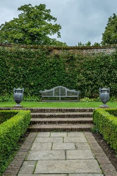 Need some low maintenance garden design ideas? Learn the fundamentals and tips to creating the perfect low mainteance outdoor space in our feature article. Formal Garden Design, English Garden Design, Formal Gardens, Outdoor Gardens, Low Maintenance Garden Design, Back Gardens, Small Gardens, Garden Planning, Garden Paths