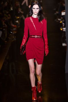 Elie Saab Fall 2015 Ready-to-Wear Fashion Show - Sarah Stewart