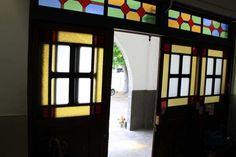 blog.goo.ne.jp Japanese Style House, Prairie House, Good House, House Rooms, Taisho Era, Windows And Doors, Modern Interior, Stained Glass, Building A House