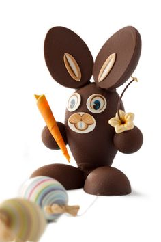 Easter Bunny (http://www.dobla.com/product/343/easter_bunny_face_set.html) with Carrot (http://www.dobla.com/product/725/mini_turitella_orange.html)