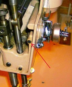 Sewing Tips Helpful Hints Vintage Sewing Machines: Singer Tension Adjustment Modern Sewing Machines, Antique Sewing Machines, Vintage Sewing Patterns, Sewing Machine Tension, Sewing Machine Repair, Sewing Hacks, Sewing Tutorials, Sewing Projects, Sewing Tips
