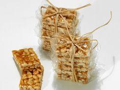 So einfach und so lecker! Erdnussecken - smarter - Zeit: 10 Min. | eatsmarter.de
