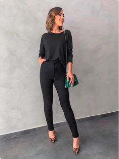 office outfits for young professionals Look Office, Office Looks, Office Chic, Looks Black, Office Outfits, Office Attire, Fashion Outfits, Womens Fashion, Chic Outfits