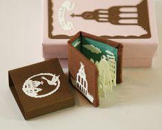 La Cuidad (The City) - miniature artist's book by Elsa Mora
