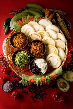 Hahahahha, as if arepas werw gourmet. Latin American Food, Latin Food, Venezuelan Food, Colombian Food, Good Food, Yummy Food, Comida Latina, Cooking Recipes, Healthy Recipes