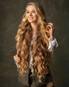 Enjoy the beauty of shiny and silky and smooth beautiful hair. Very Long Hair, Long Curly Hair, Big Hair, Curly Hair Styles, Beautiful Long Hair, Gorgeous Hair, Amazing Hair, Long Blond, Rapunzel Hair