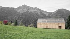 Who wouldn't want to look out of the window across kilometres of nothing but green, with a front-seat view of a lush, mountainous landscape? 'Haus am Stürcherwald' (which translates as House in Stürcher Forest) provides exactly this experience for a client in Austria's western-most state of Vorarlberg, a mere 16 km from the Swiss border. Local firm Bernado Bader Architekten counteracted the awkward steepness of the land with a concrete fundament – essentially, a functional plinth – which…
