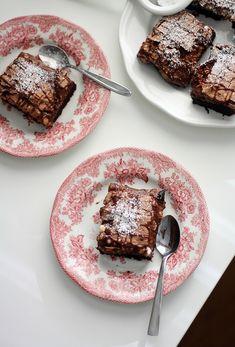 Tämän hetken suosikit – Lunni leipoo   Meillä kotona Pancakes, French Toast, Baking, Drink Recipes, Breakfast, Food, Desserts, Morning Coffee, Tailgate Desserts