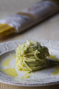Pasta alla crema di zucchine e cheddar