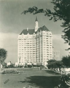 """""""The Odd Duck's Website"""" - The """"Art Deco Theaters"""" Landmarks and Buildings of note in Long Beach CA Hotel Villa Riviera Long Beach California, California History, Vintage California, Los Angeles California, Lakewood California, Southern California, City By The Sea, Old Pictures, Vintage Pictures"""