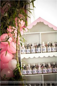 doll house to hold party favors | love this idea! totally doing this for the little miss' 3rd b-day!!!