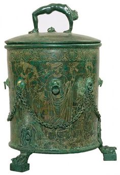 Bronze cista with cover | Lidded box (cista) discovered in the excavation of Palestrina (the ancient Praeneste), near Rome, in 1864.  The cista probably dates to Hellenistic period of Etruscan art, between the fourth and first centuries B.C. The Morgan Library & Museum