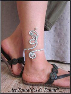 """Bracelet cheville DESIGN alu """"ARGENT et BLEU PASTEL """" ajustable : Bracelet par les-fantaisies-de-fannie"""