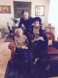 Fiumani con la madre e la nonna