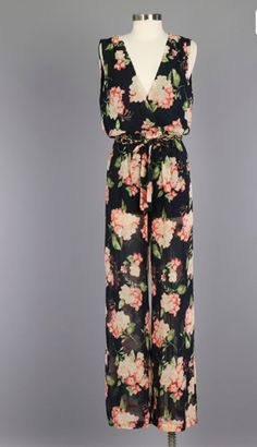 with gold chain and matching fabric tie belt polyester short underlining Korean Fashion Kpop, Spring Fashion 2017, Floral Jumpsuit, Fashion Updates, Fashion Story, Playing Dress Up, Dress Me Up, Bridesmaid Dresses, Maxi Dresses