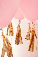 balões rosa dourado decorando festa infantil