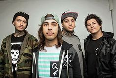 free pictures pierce the veil backgrounds Pierce The Veil, Boys With Tattoos, Jaime Preciado, Tony Perry, Walpaper Black, Falling In Reverse, Black Veil Brides, Band Merch, My Chemical Romance