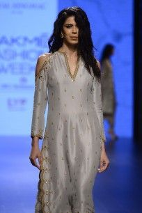 Dove Grey Cold Shoulder Scallop Embroidered Kurta Set  #LAKMEFASHIONWEEK #straightofftherunway #kurtaset #embroideries #payalsinghal