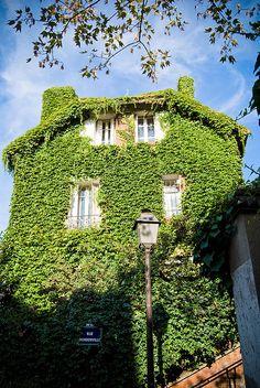 La campagne à Paris - Rue Mondonville by Bee.girl, via Flickr