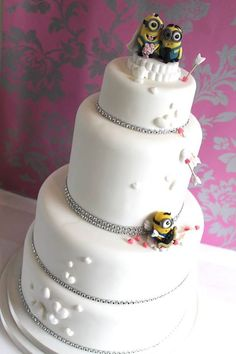 Minions Hochzeitstorte Wedding Desserts, Wedding Cakes, Minion Torte, Minions, Zoes Fancy Cakes, Wedding Cake Alternatives, Just Cakes, Love Cake, Creative Cakes