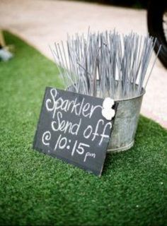 Love the chalkboard directions, perfect for a semi-rustic wedding