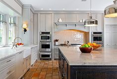 Black and white and light gray kitchen with stone floor Grey Painted Kitchen, Kitchen Paint Colors, Kitchen Table Chairs, Kitchen Dining, Dining Rooms, Kitchen Upgrades, Kitchen Ideas, Kitchen Inspiration, Grey Kitchens