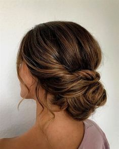 Gorgeous Textured Updo Hairstyles They'll Work For Any Occasion 29 Gorgeous T. - Gorgeous Textured Updo Hairstyles They'll Work For Any Occasion 29 Gorgeous Textured Updo Hairstyles - simple updo ,updos ,upstyles ,wedding updo ,wedding hairstyle - Chignon Simple, Simple Bun, Easy Updo, Updo Diy, Simple Hairdos, Low Chignon Bun, Chignon Hairstyle, Hairstyle Man, Bun Braid