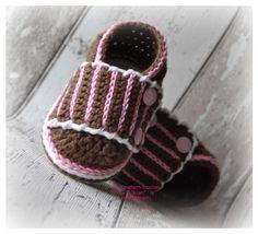 Gehäkelte Babyschuhe * DOCKI* von trudi`s-kram auf DaWanda.com