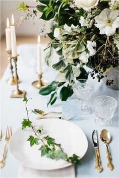 ivy and dogwood wedding flowers   Images Captured By : SARAH BRADSHAW PHOTOGRAPHY