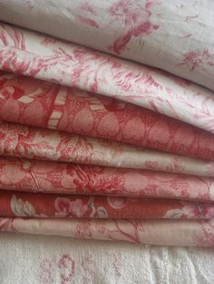 rouge vintage linens (isn't rouge a lovely word!)