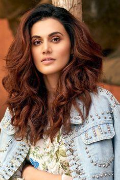 Indian Bollywood Actress, Bollywood Girls, Beautiful Bollywood Actress, Most Beautiful Indian Actress, Bollywood Stars, Most Beautiful Women, Indian Actresses, Beautiful People, Indian Wedding Photography Poses