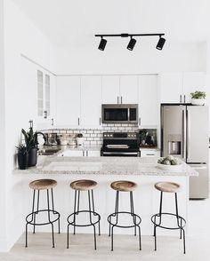 3 Natural Tips AND Tricks: Minimalist Decor With Color Chairs minimalist home bathroom mirror.Minimalist Decor With Color Chairs extreme minimalist home minimalism.Minimalist Home Design Kitchen White. Apartment Kitchen, Home Decor Kitchen, Kitchen Interior, New Kitchen, Home Kitchens, Kitchen Ideas, Kitchen White, Kitchen Island, Kitchen Small